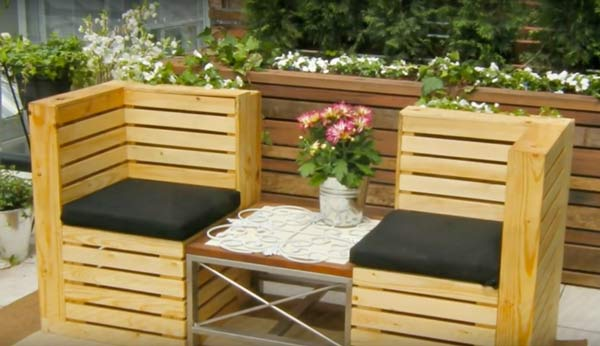 pallets recycle into garden seats